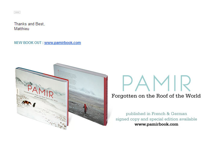 Photography email signature example - promoting products